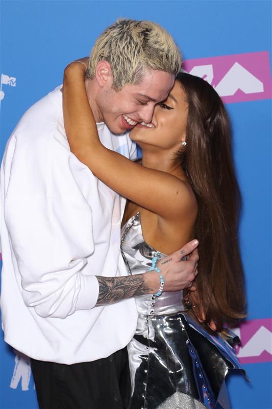 Η Ariana Grande και ο Pete Davidson
